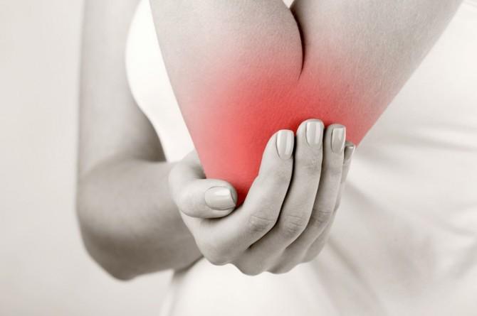 Как определить болезнь суставов болит бёдерный таз правый и колено