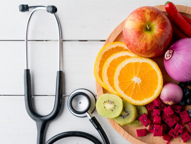 Какая диета поможет избавиться от лишнего веса после новогодних.