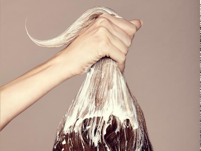 Какой витамин влияет на рост волос?
