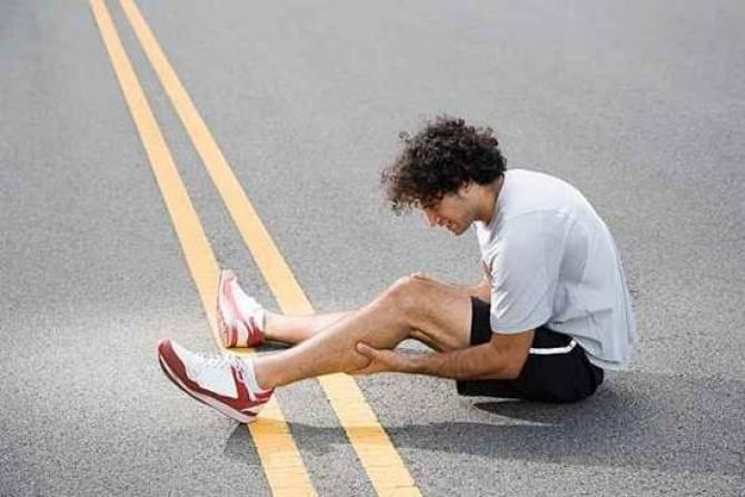Что делать, если судороги сводят ноги?